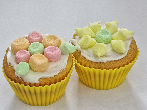Cupcake Easter Desserts  Easter Desserts Easiest Flower Cupcakes Ever