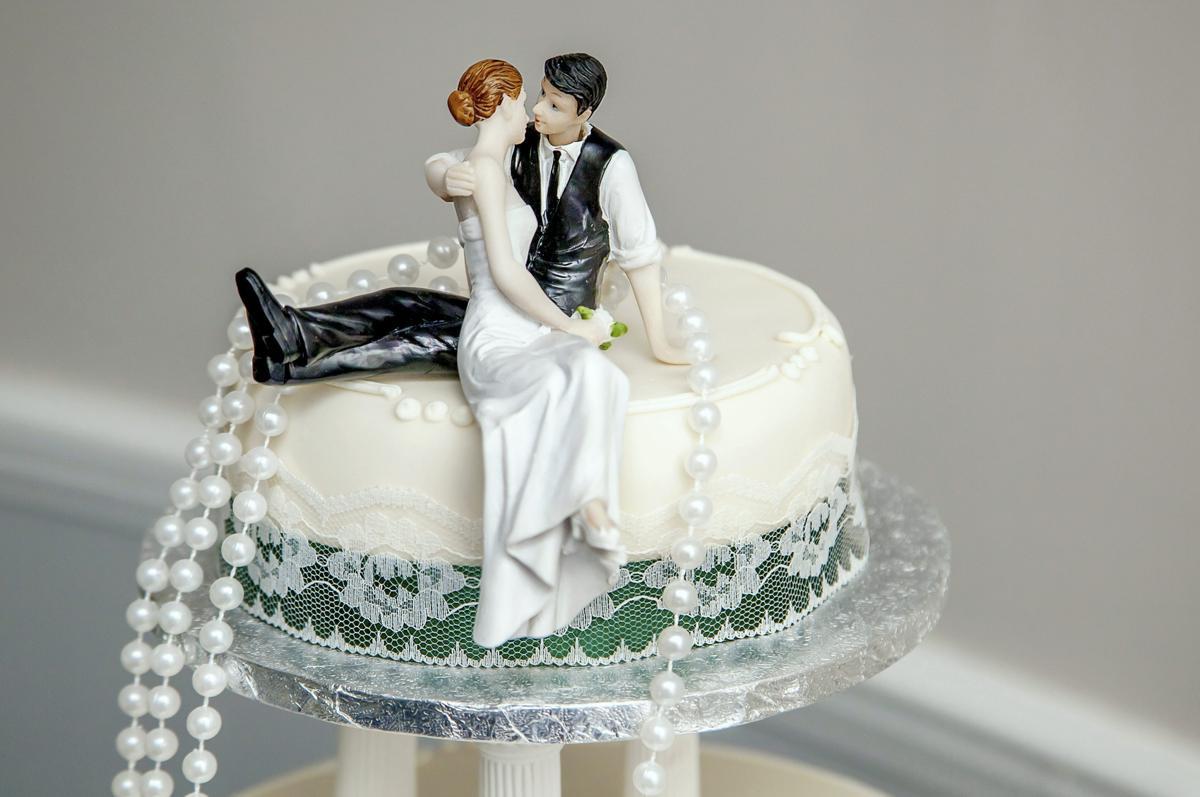 Custom Wedding Cakes  Unique Wedding Cake Toppers