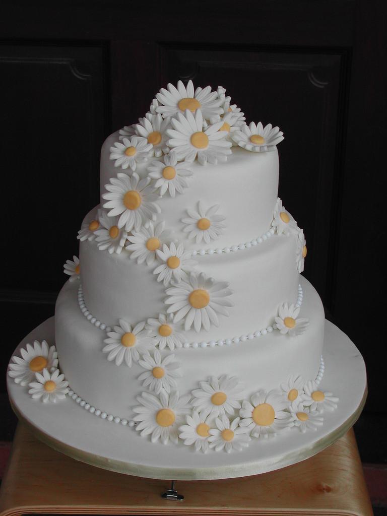 Daisy Wedding Cakes  Daisy Wedding phooi fong lai