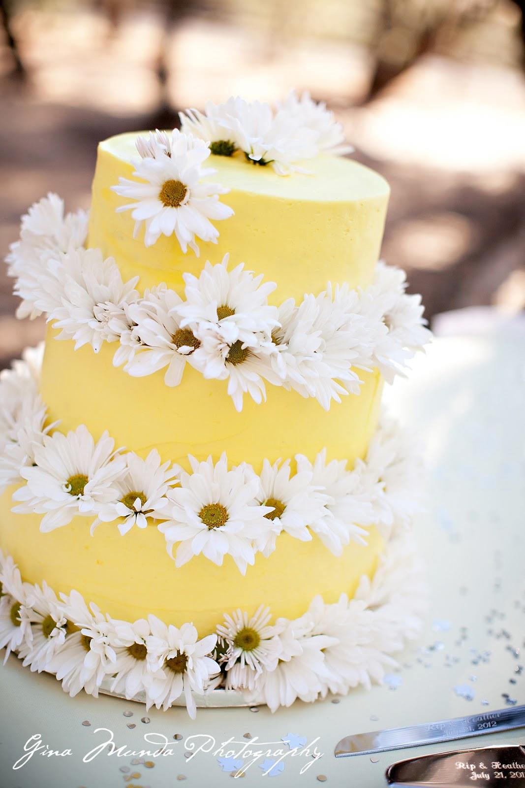 Daisy Wedding Cakes  daisy