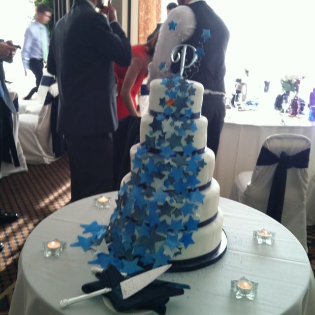 Dallas Cowboy Wedding Cakes  Star wedding cake Dallas Cowboys with a few changes