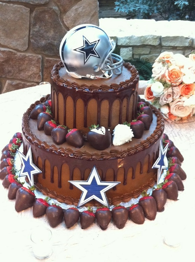 Dallas Cowboys Wedding Cakes  15 Football Inspired Grooms Cakes for Every MunaMan