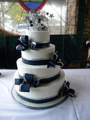 Dallas Wedding Cakes  25 best ideas about Cowboy wedding cakes on Pinterest