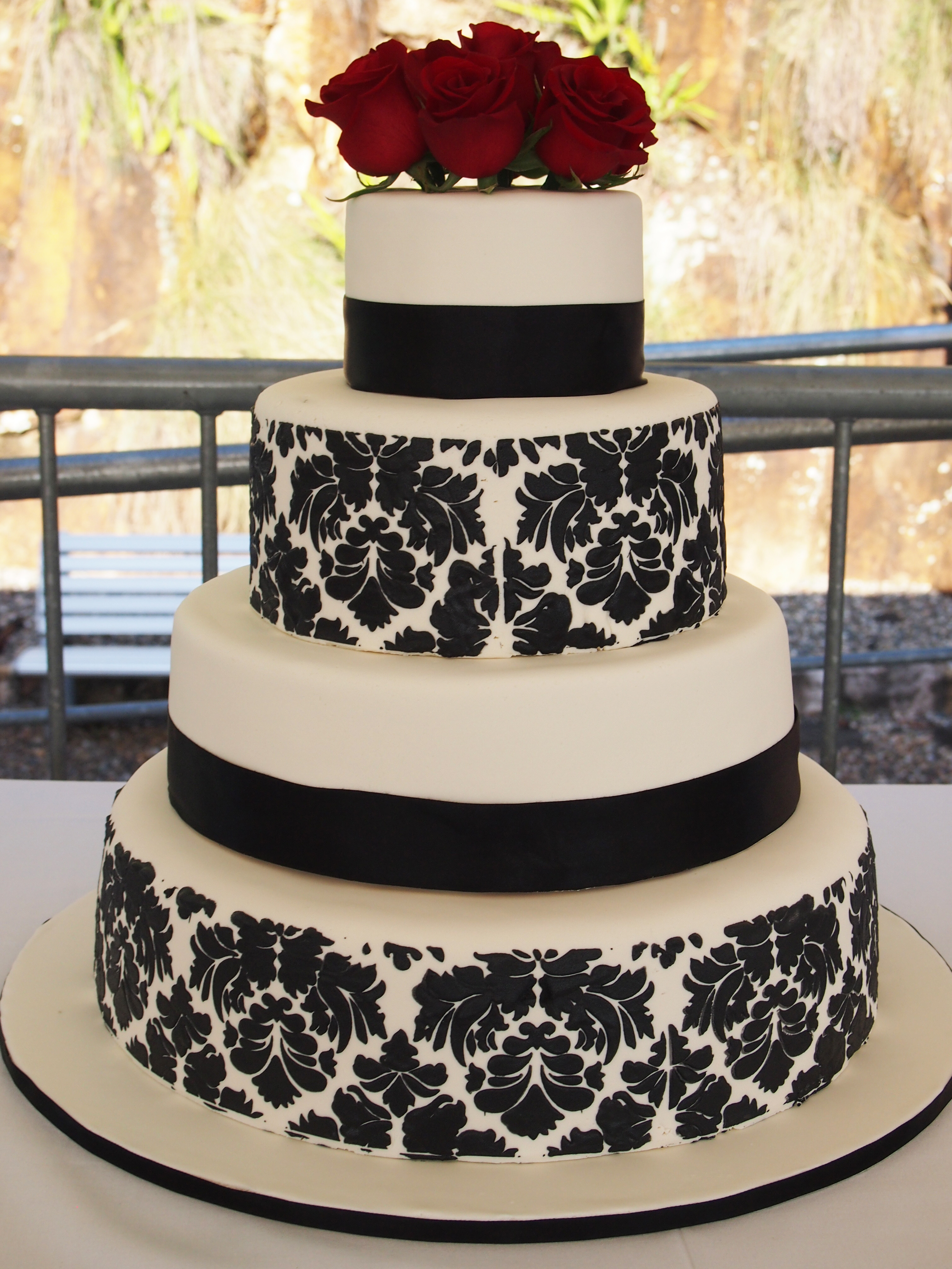 Damask Wedding Cakes  Black and White Damask Wedding Cake
