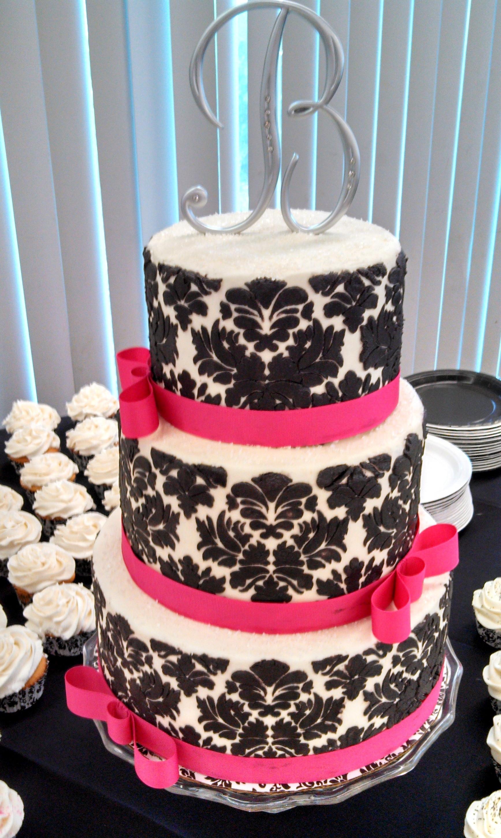 Damask Wedding Cakes  Old World Style Black And White Damask Wedding Cake