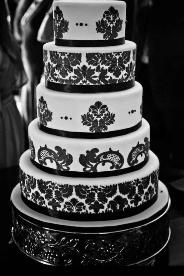 Damask Wedding Cakes  Damask Wedding Cake