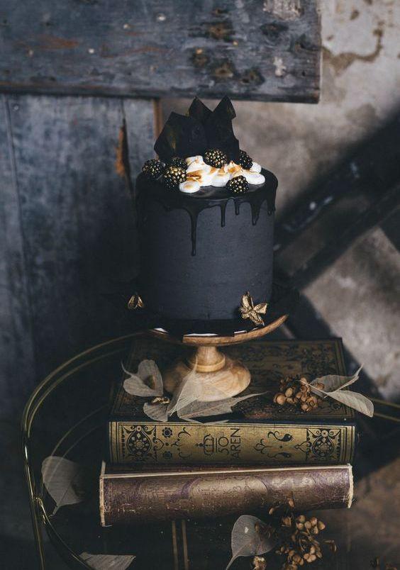Dark Wedding Cakes  31 Delicious And Dramatic Moody Wedding Cakes Weddingomania