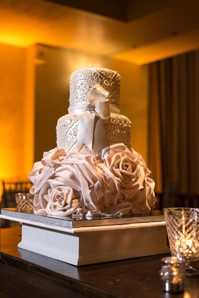 Designer Wedding Cakes  C M Contemporary Master Cake Designers Wedding Cake