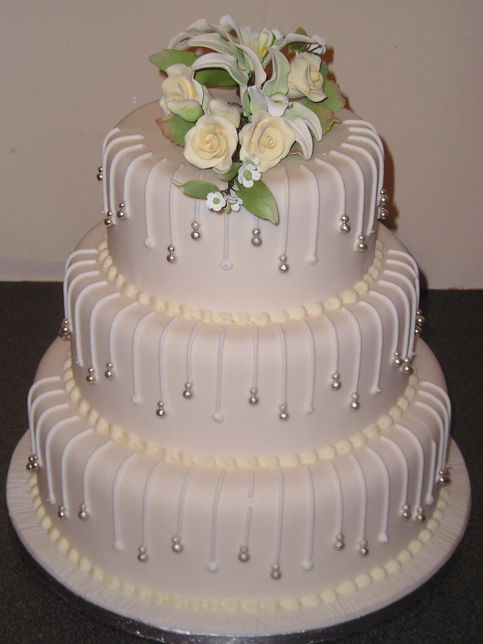 Designer Wedding Cakes  wedding cake toppers Small Wedding Cake Toppers