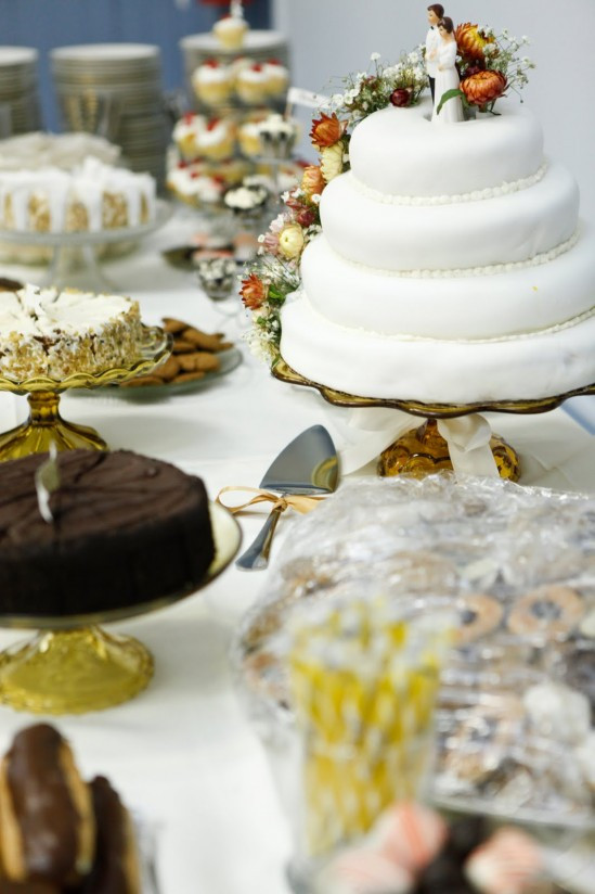 Desserts For Wedding Receptions  11 Ideas For Self Catering Your Dessert Reception