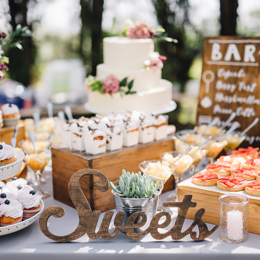 Desserts For Wedding Receptions  10 Dessert Table Ideas to Make Your Wedding Reception
