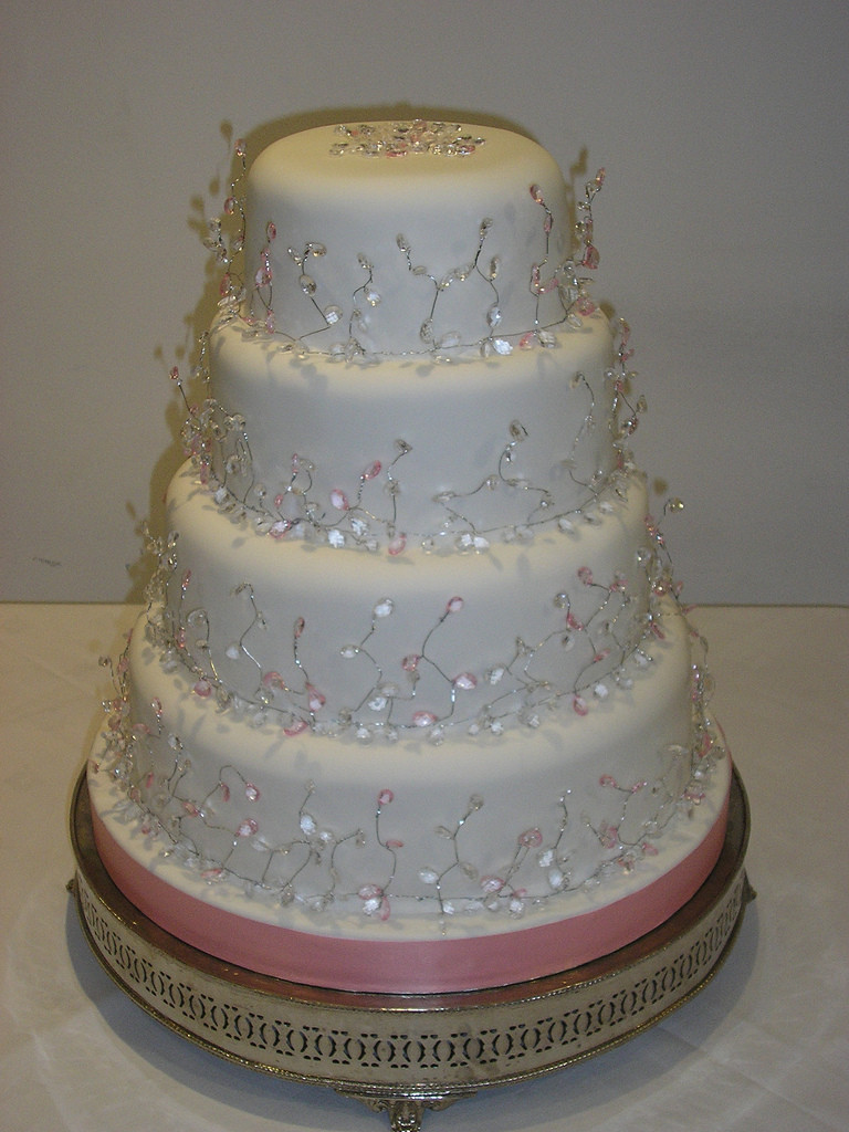 Diamond Wedding Cakes  pink diamond wedding cakes stacked wedding cake