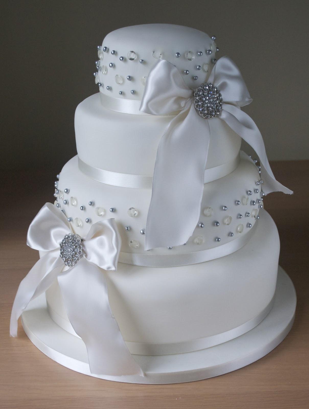 Diamond Wedding Cakes  Diamond Wedding Cake