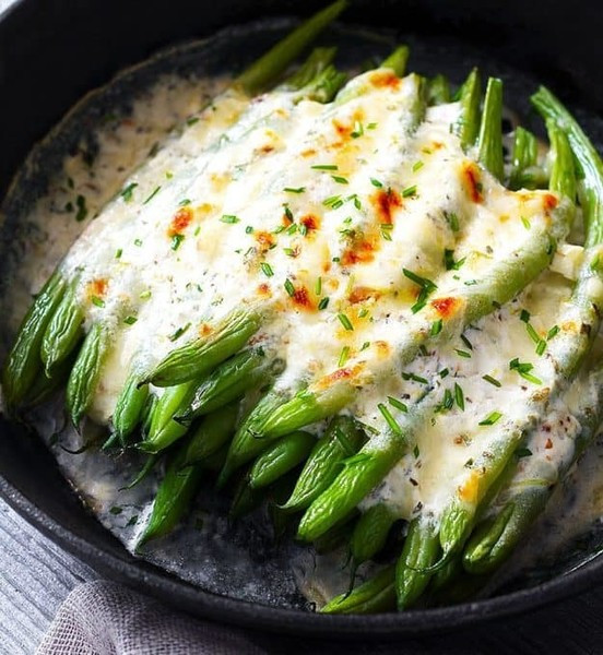 Different Easter Dinner Ideas  Cheesy Green Beans Casserole Delicious And Different