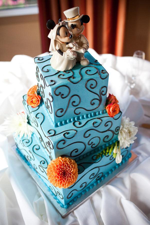 Disney Wedding Cakes  Nintendo Groom s Cake Wii Mii Cake Topper Paul Pape