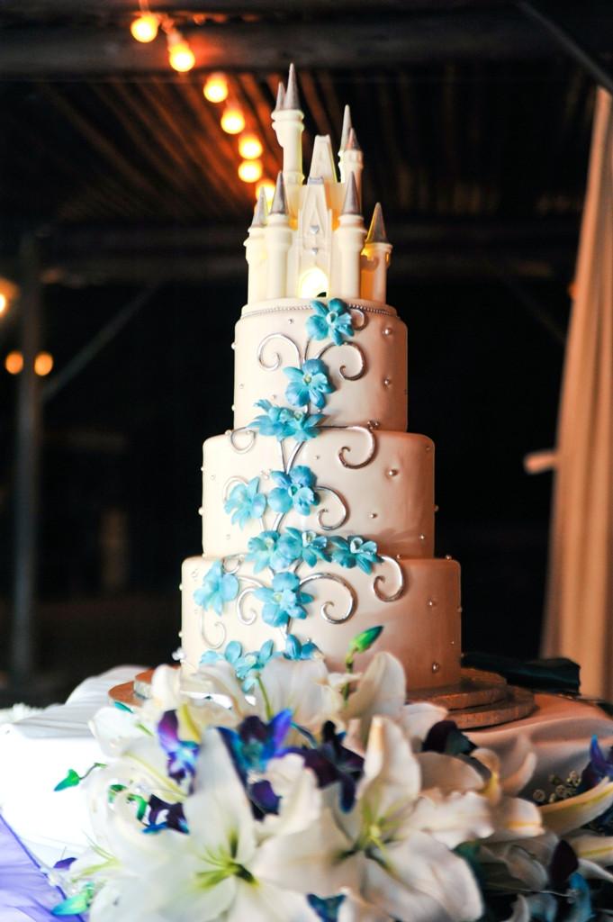Disney Wedding Cakes  butterfinger cupcake