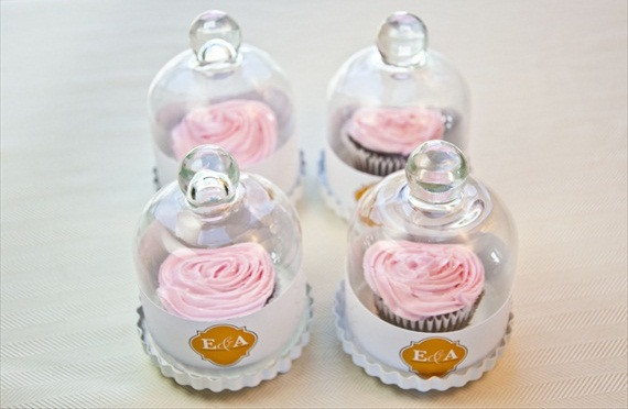 Do It Yourself Wedding Cupcakes  5 Easy DIY Wedding Favors You Can Make in an Evening