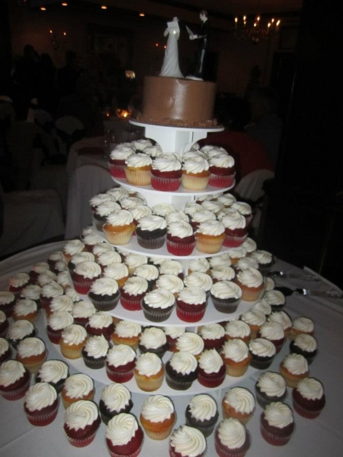 Do It Yourself Wedding Cupcakes  Cupcake cake brides Weddings Do It Yourself