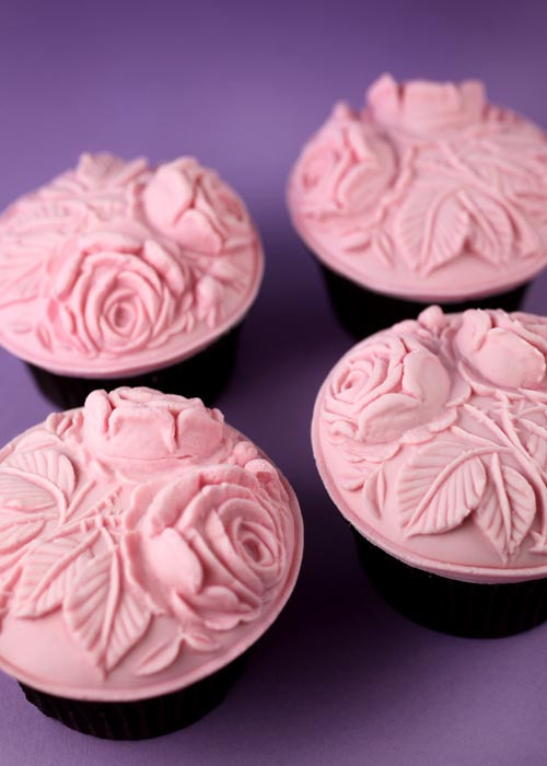 Do It Yourself Wedding Cupcakes  Do It Yourself Weddings Over The Top Cupcakes
