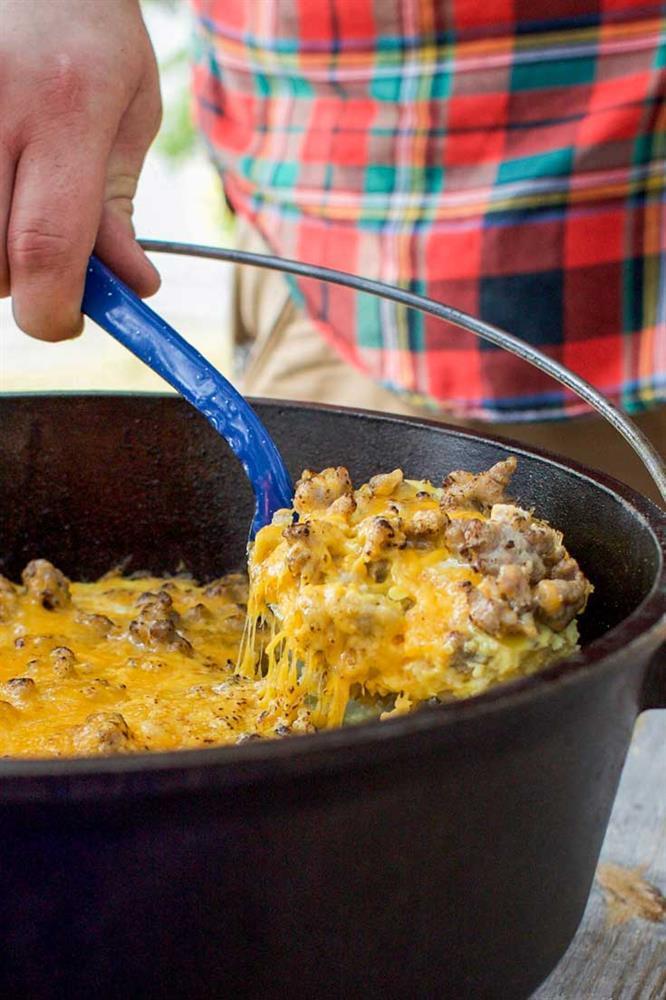 Dutch Oven Camping Recipes Breakfast  Mountain Man Breakfast Lodge Cast Iron