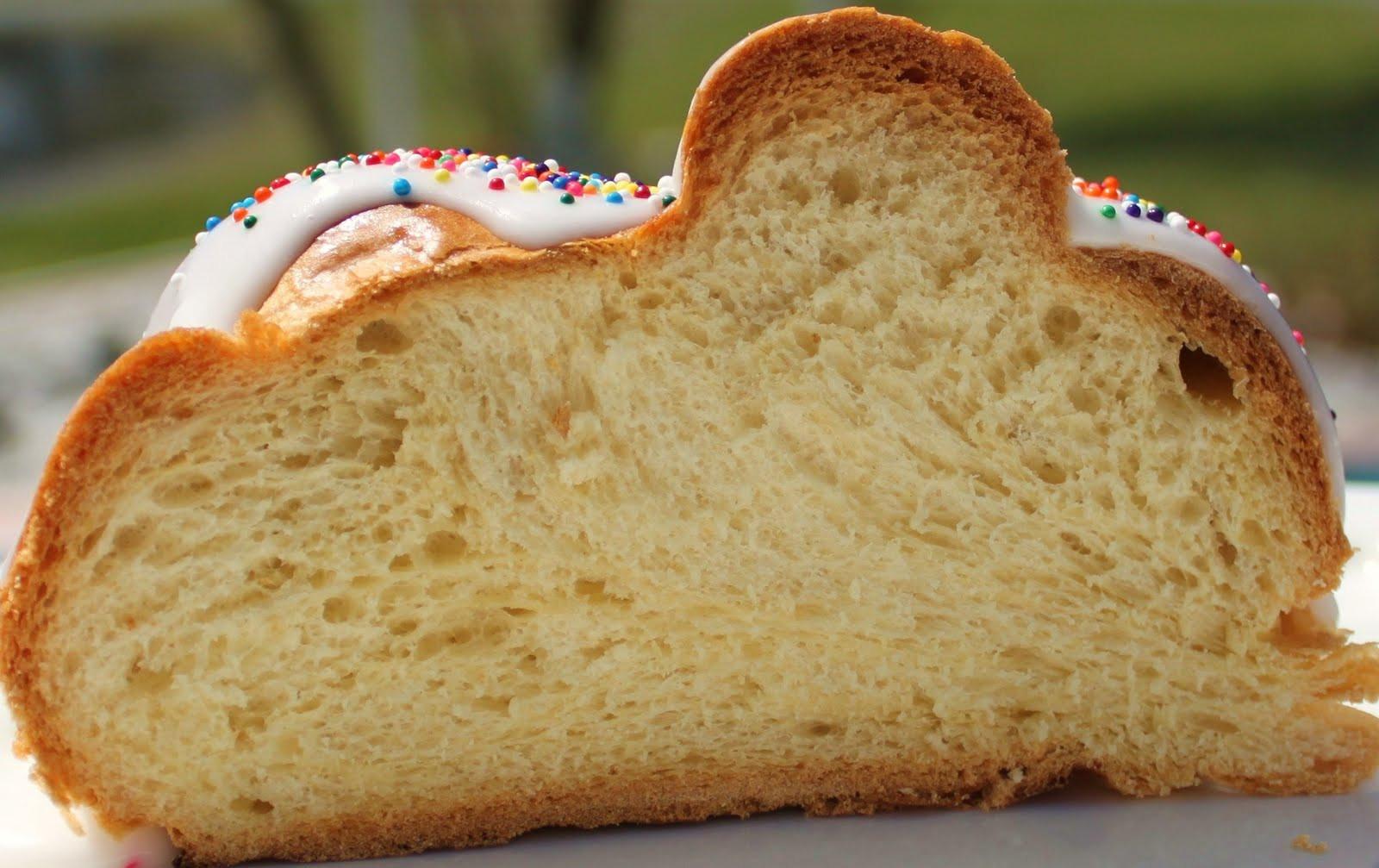 Easter Bread Recipes  Grandma Victoria s Easter Bread Recipe