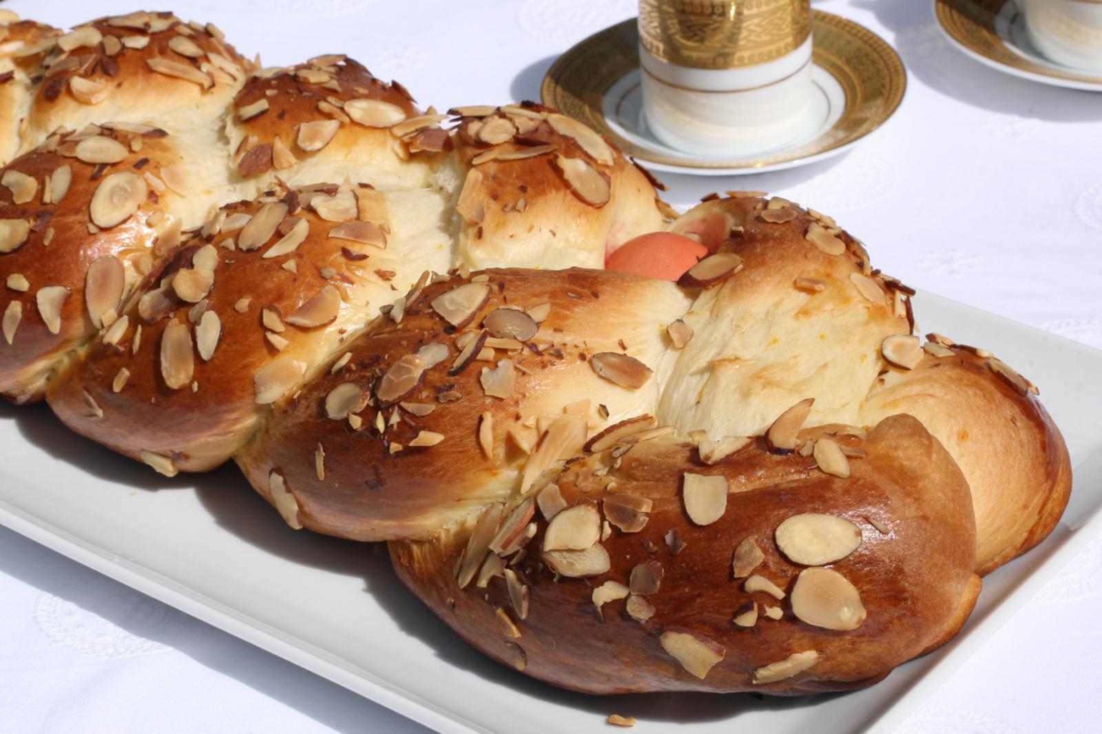Easter Bread Recipes  Greek Easter Bread Tsoureki