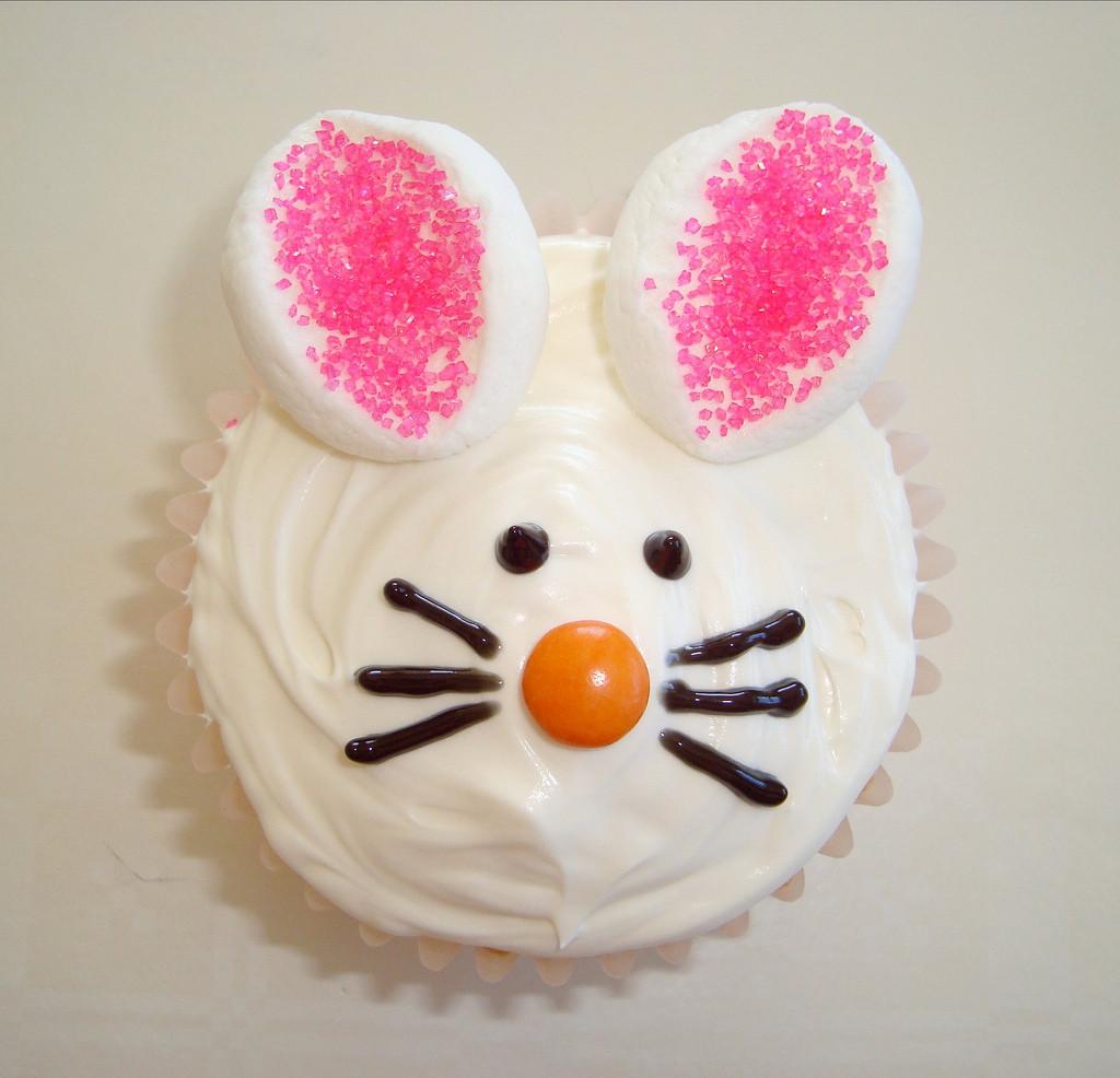 Easter Bunny Cupcakes  Easter Bunny Cupcakes by Dolce Danielle