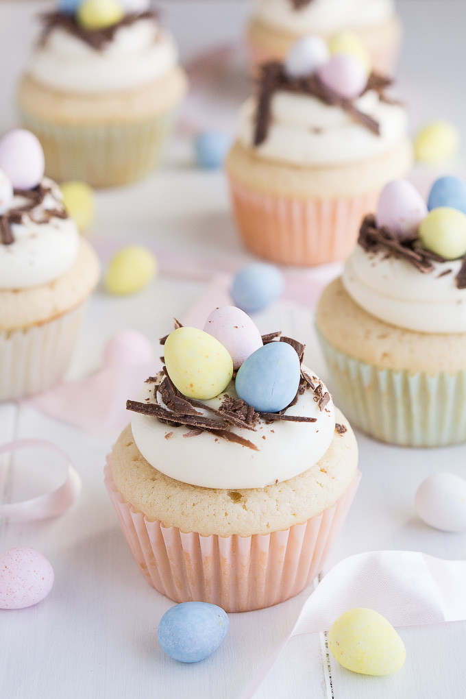 Easter Cupcakes Images  White Chocolate Easter Egg Cupcakes