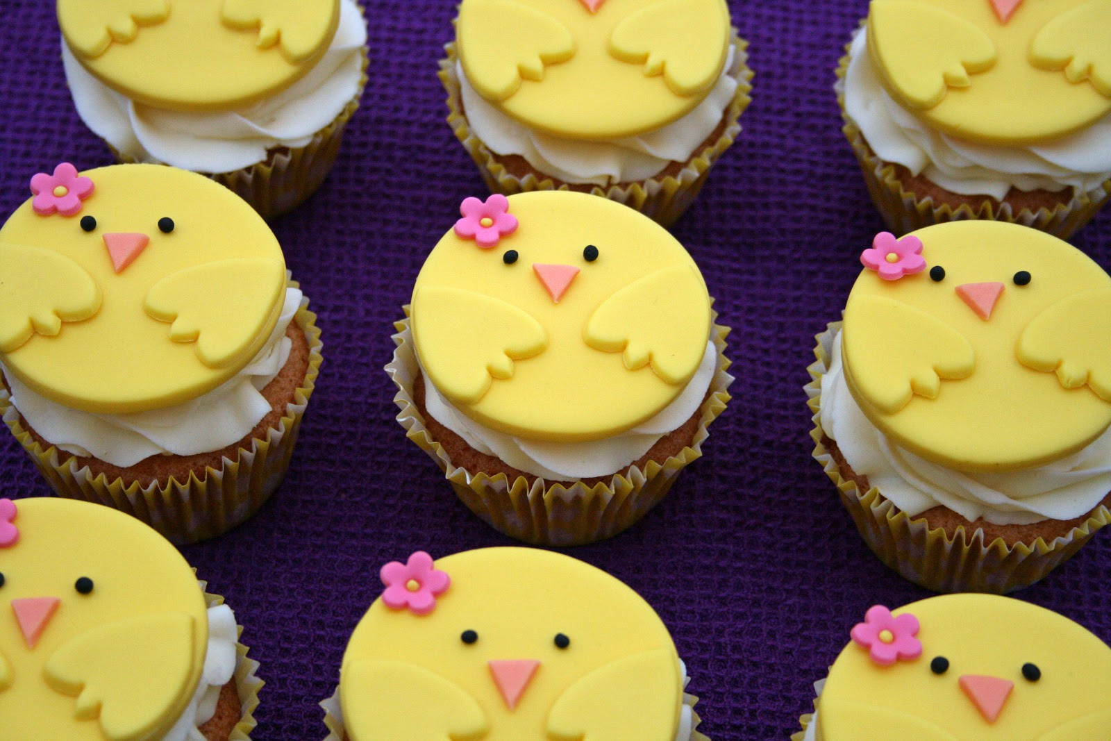 Easter Cupcakes Images  lauralovescakes Chirpy Chick Easter Cupcakes