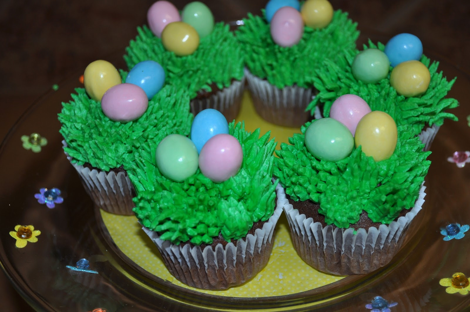 Easter Cupcakes Images  Morgan s Cakes Easter Cupcakes