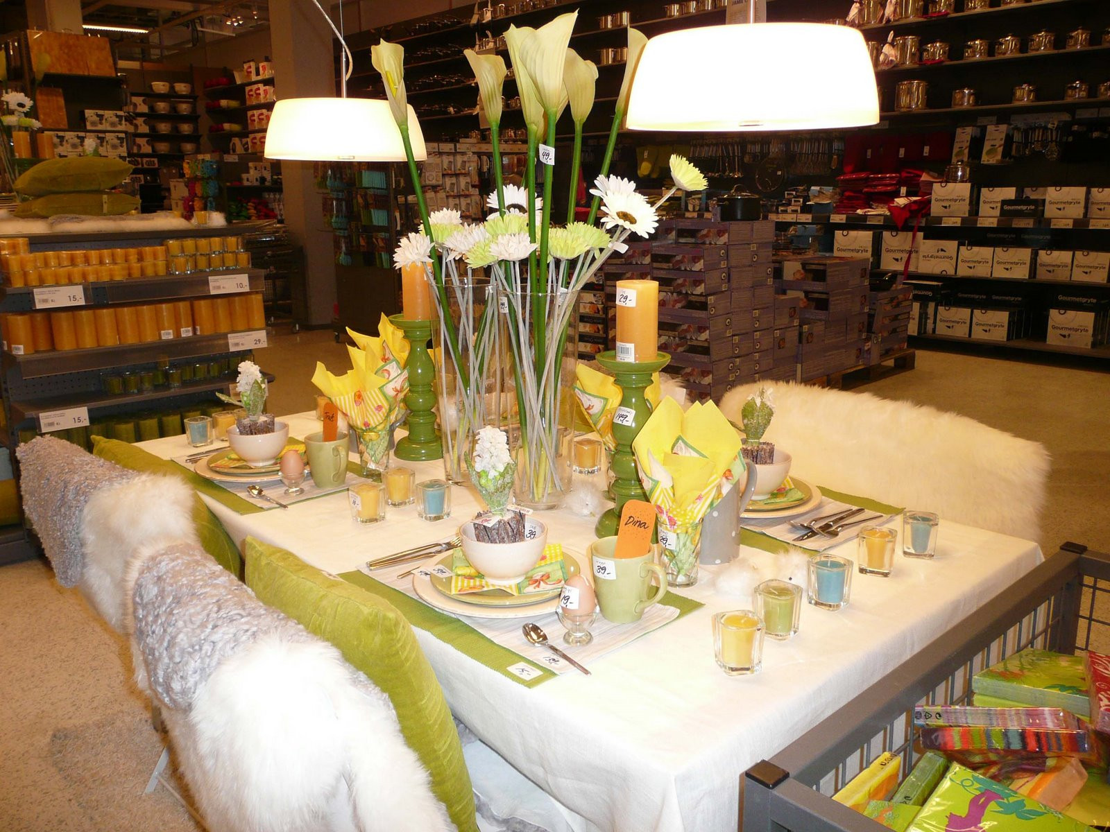 Easter Dinner At Restaurants  25 Easter Holiday Ideas for Table Decoration