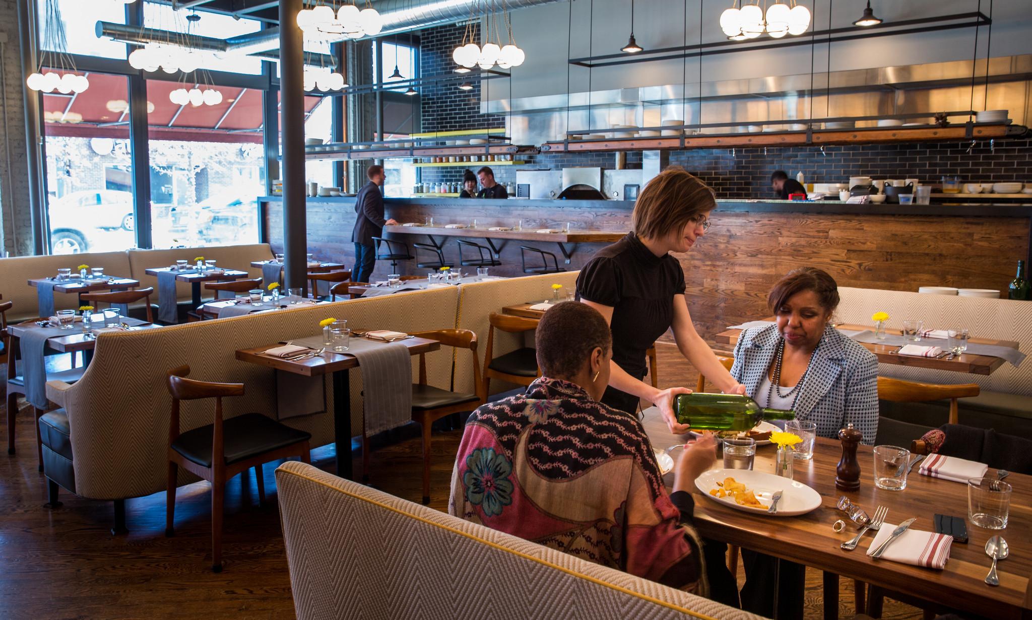 Easter Dinner Chicago  Phil Vettel re mends Easter dining Chicago Tribune