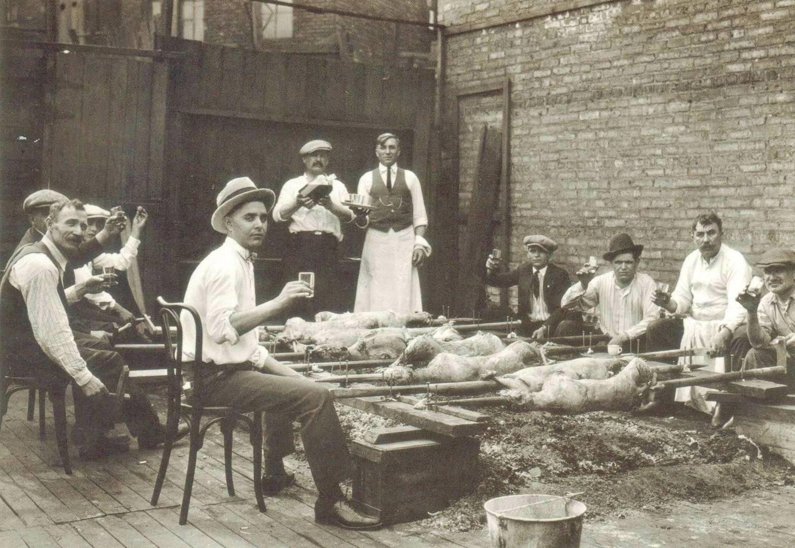Easter Dinner Chicago  POSTCARD – CHICAGO – GREEK MEN ROASTING LAMBS – HULL HOUSE