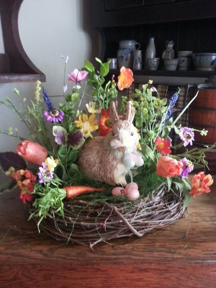 Easter Dinner Ideas 2019  Best 25 Easter Centerpiece ideas on Pinterest