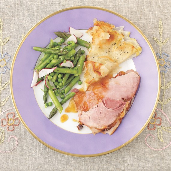 Easter Dinner Ideas.No Ham  Feast on Baked Ham and a Billowy Meringue Cake for