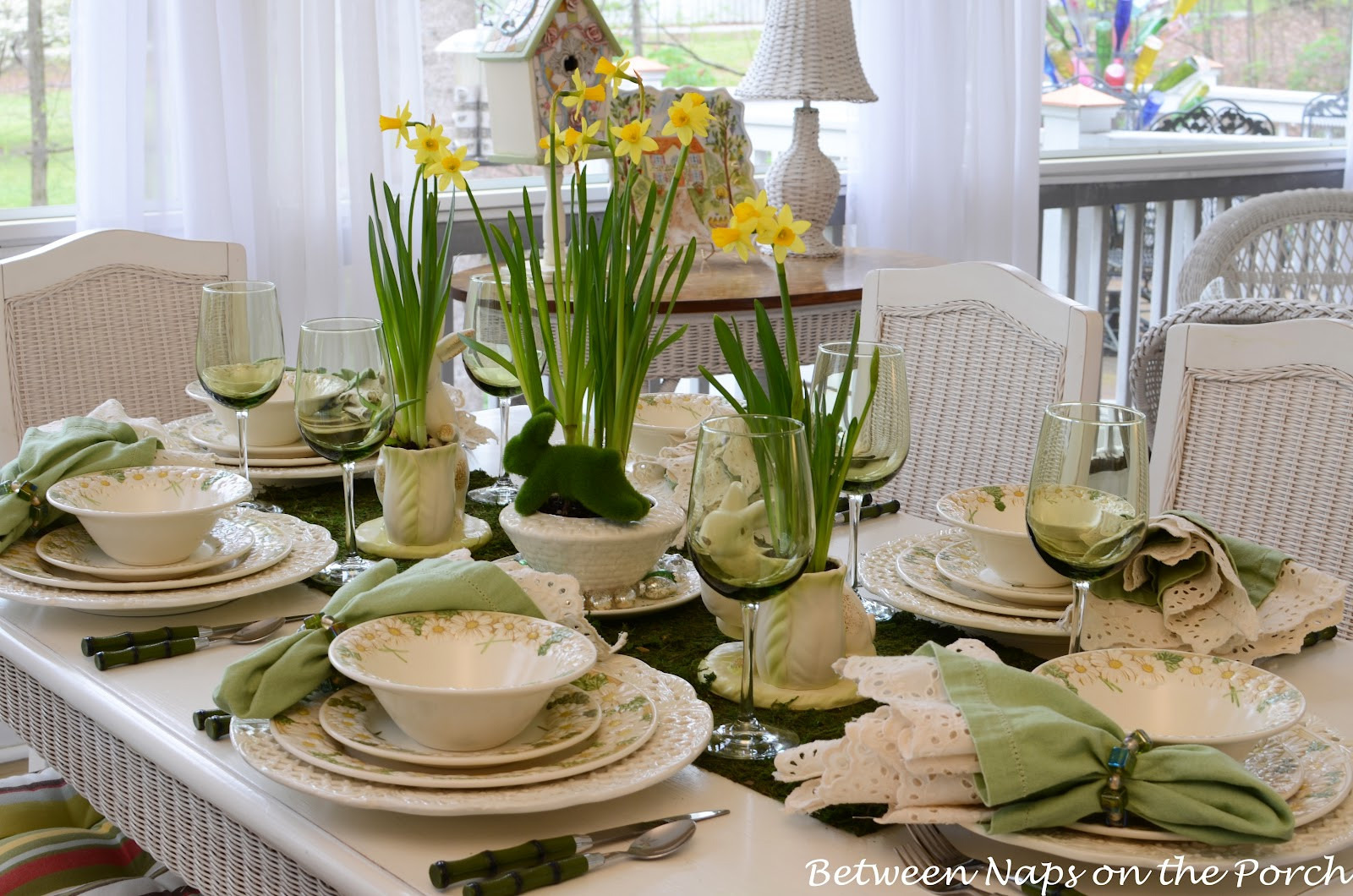 Easter Dinner Table Settings  Lovely Table Decorating Ideas for The Up ing Easter