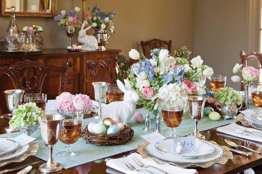 Easter Dinner Table Settings  Elegant Easter Tablescape