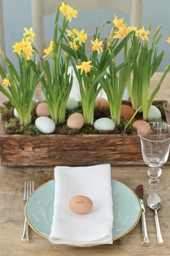 Easter Dinner Table Settings  Creative Easter Table Setting Ideas In Blue And White To