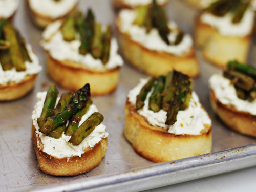 Easy Appetizers For Easter  Easter Holiday Appetizer Herbed Cheese Asparagus Crostini