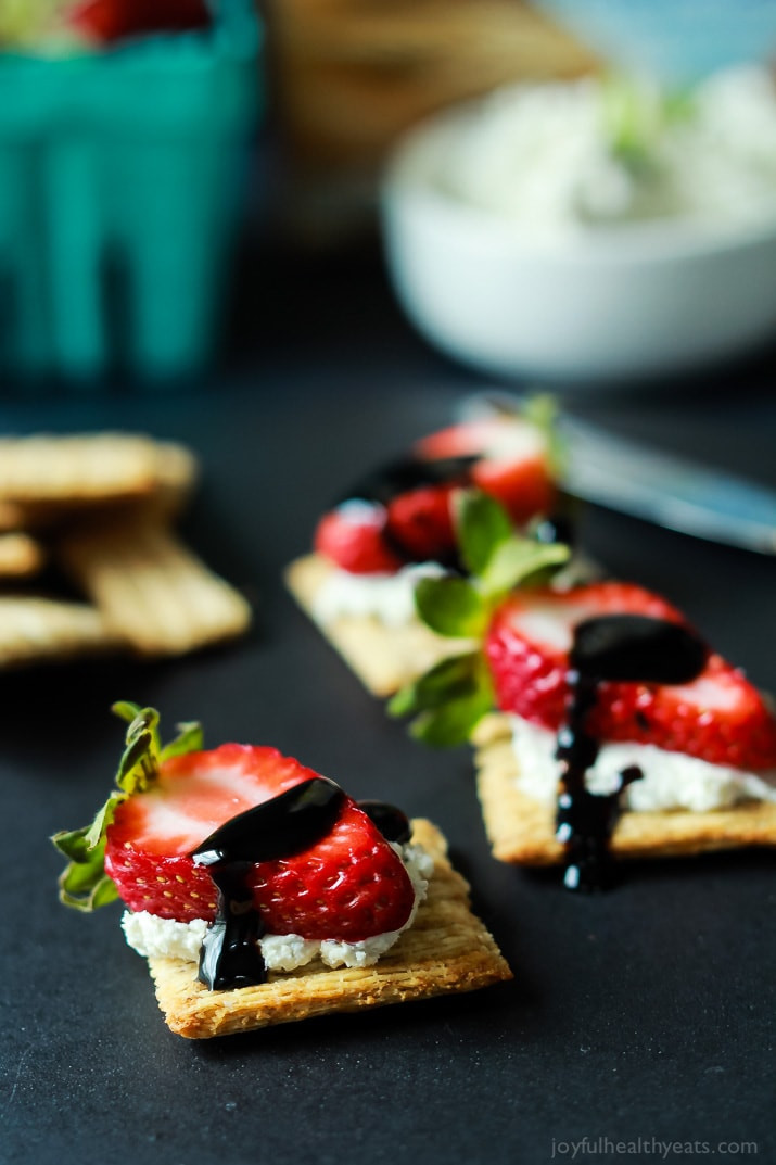 Easy Appetizers Healthy  Easy Strawberry Goat Cheese Bites with Balsamic Reduction