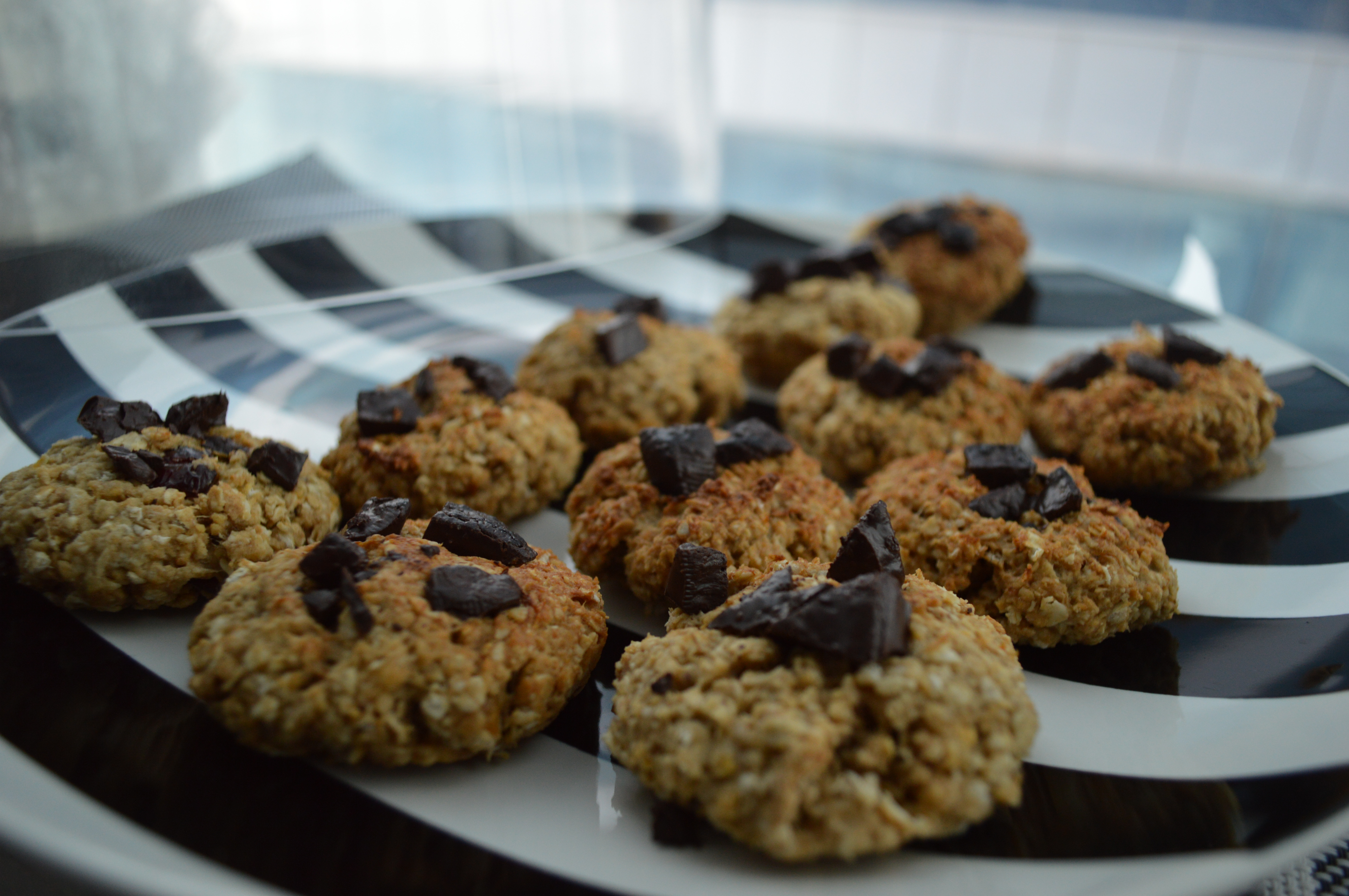 Easy Healthy Chocolate Chip Cookies  Healthy Oat Chocolate Chip Cookies