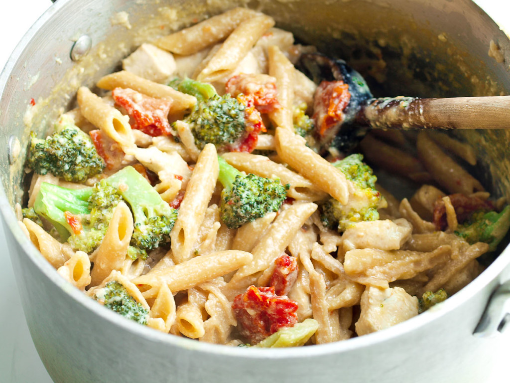 Easy Healthy Dinner For One  Tangy e Pot Chicken and Veggie Pasta Dinner