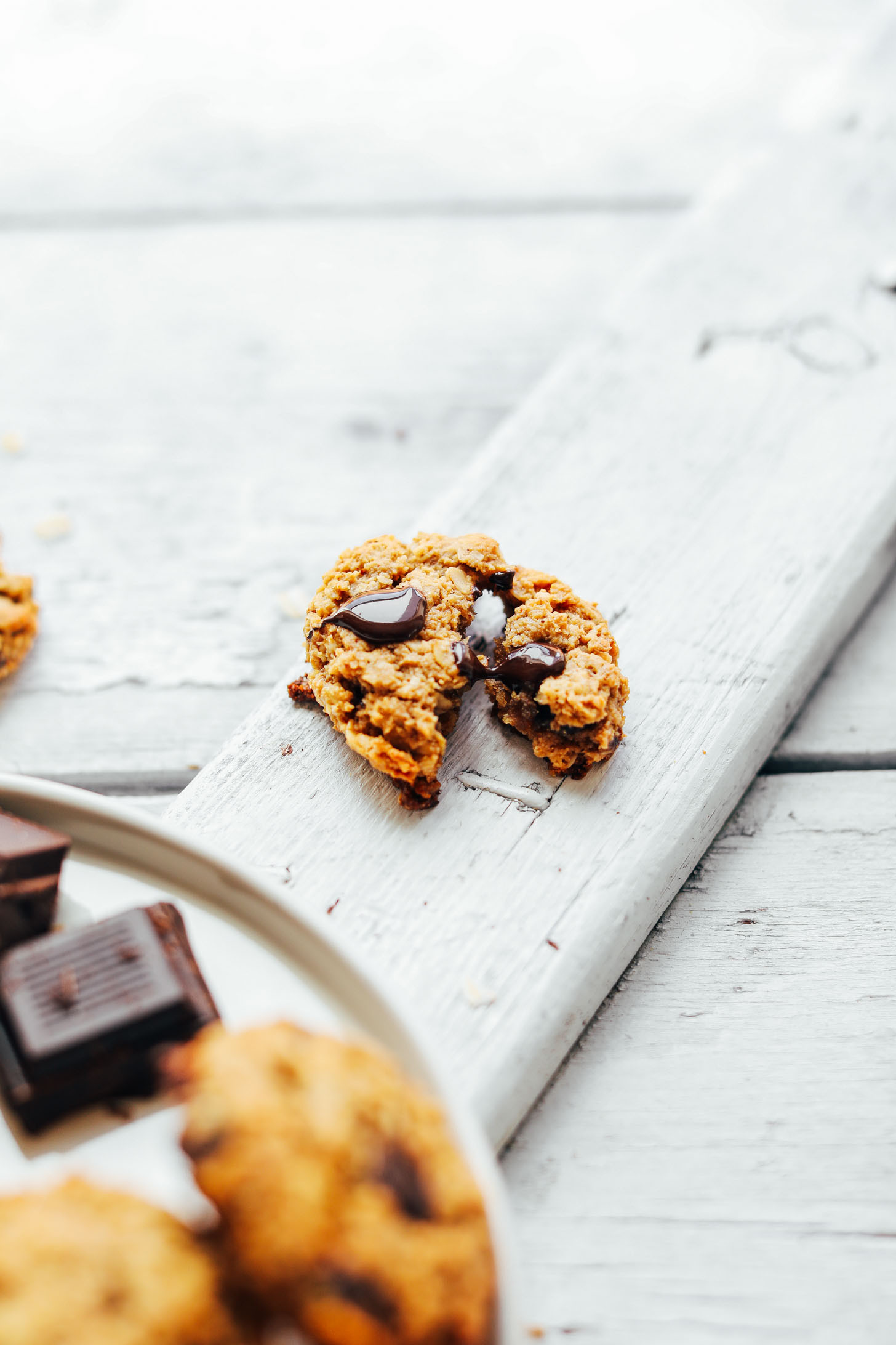 Easy Healthy Oatmeal Cookies  easy healthy oatmeal chocolate chip cookies