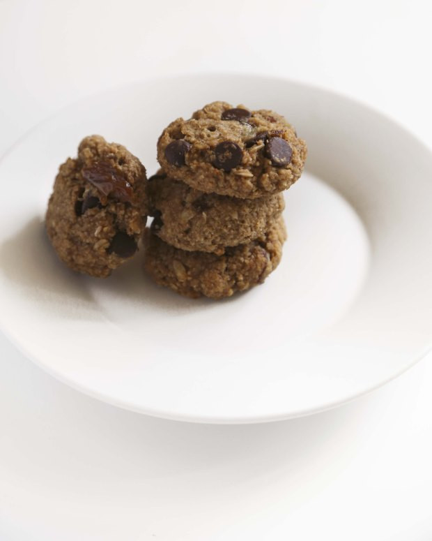Easy Healthy Oatmeal Cookies  Healthy and Easy Peanut Butter Oatmeal Cookies – Foodologie