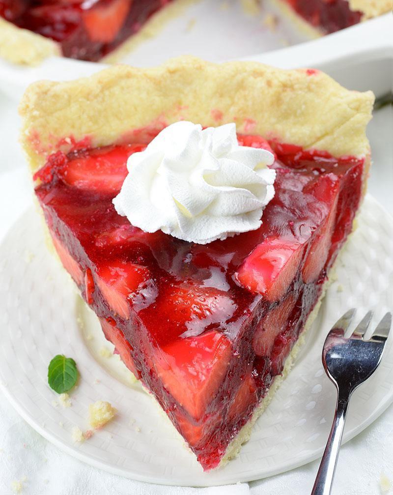 Easy Summer Desserts  Fresh Strawberry Pie