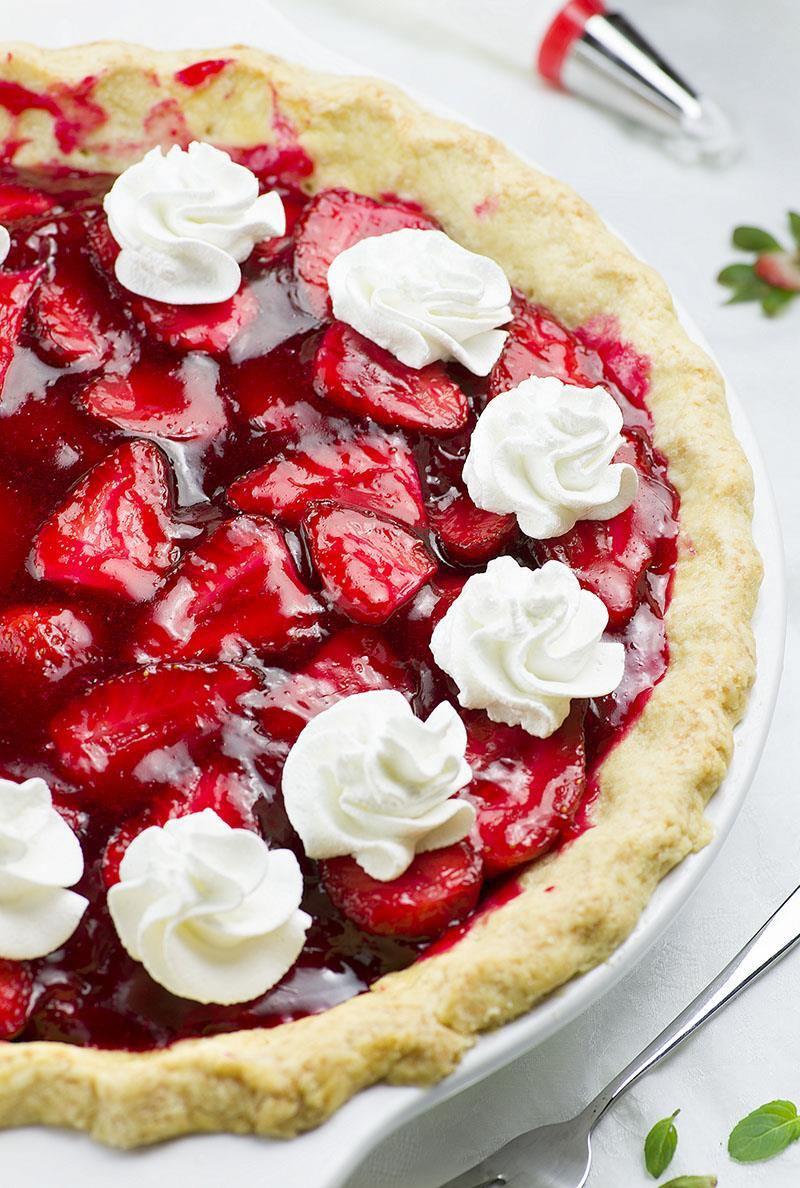 Easy Summertime Desserts  Fresh Strawberry Pie