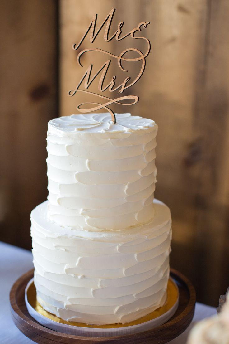 Easy Wedding Cake Recipes  love the structure in the butter cream ry modern and