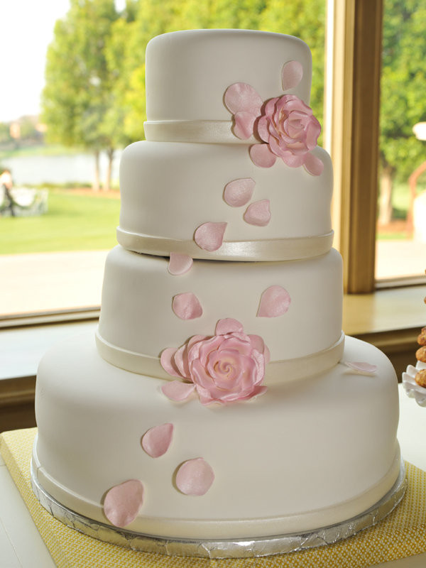 Easy Wedding Cakes  Simple Chic Wedding Cakes We Love