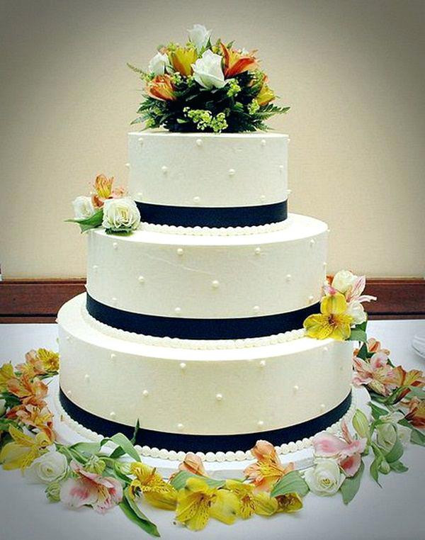 Easy Wedding Cakes To Make Yourself  decorating Simple wedding cake ideas Summer Dress for