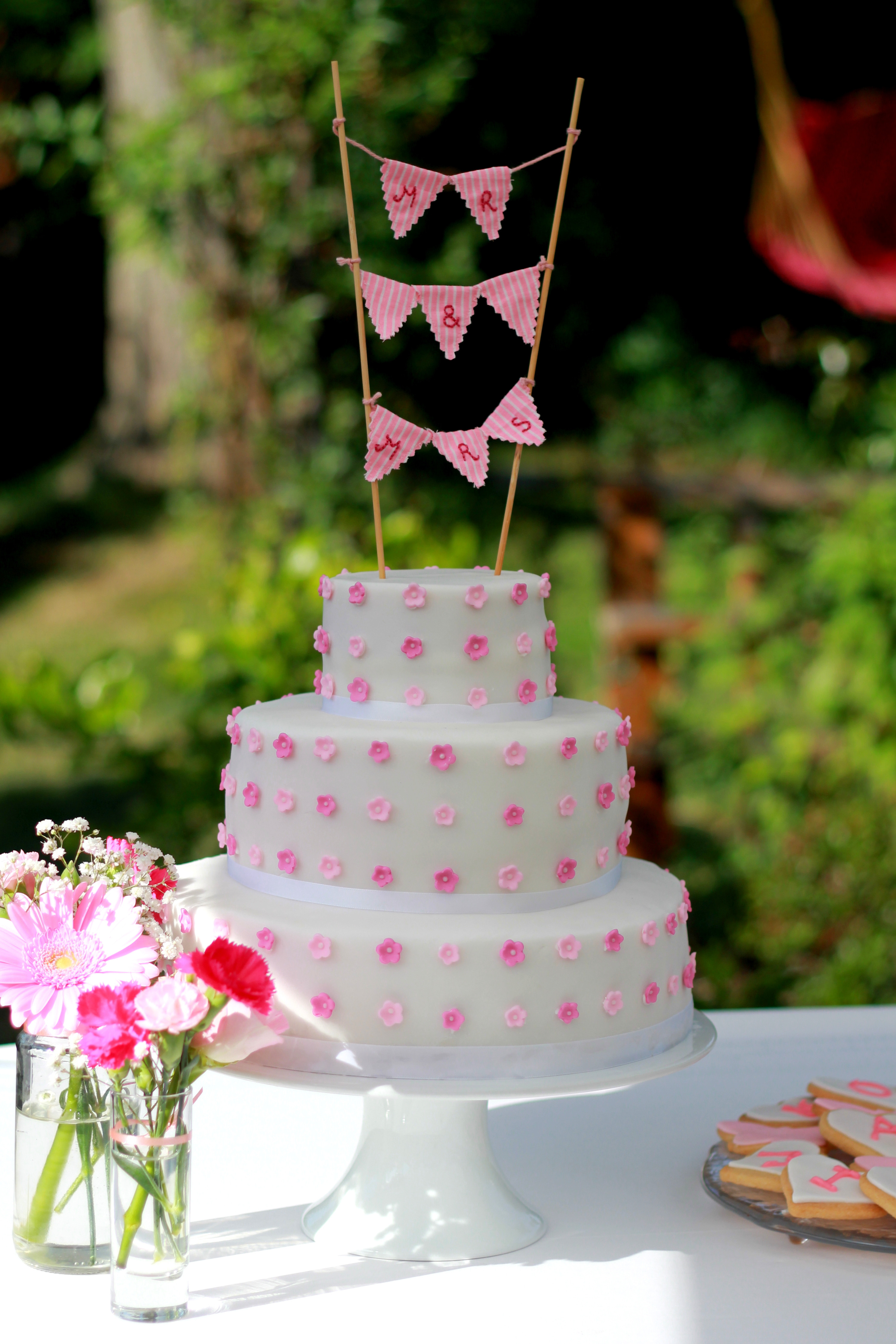 Easy Wedding Cakes To Make Yourself  DIY Wedding Cake Tutorial